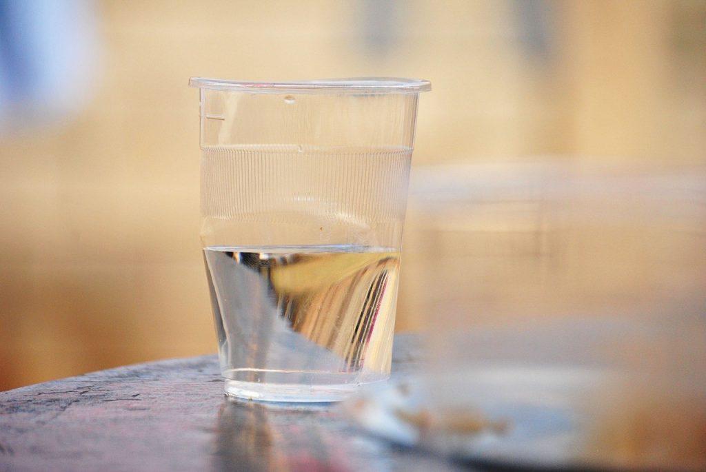 Pomen pitja vode za otroka